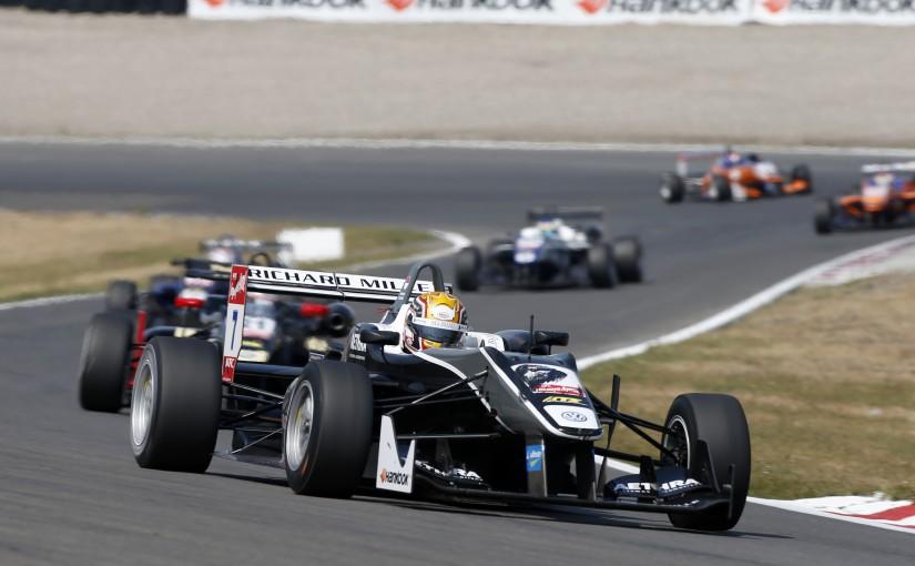 F3 FIA - Zandvoort : Charles sauve les meubles